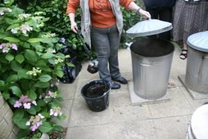 Raku Firing -quenching the fired pot
