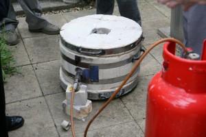 Setting up the Raku kiln - Turning on the gas
